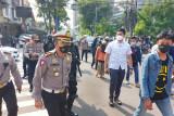 Polisi tangkap pembawa senjata tajam pada kerumunan massa pendukung Rizieq Shihab