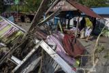 Pengungsi Korban Banjir Bandang Desa Rogo