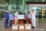 BPJAMSOSTEK Jayapura serahkan bantuan APD peserta perusahaan medis