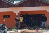NasDem Sulteng  bantu bersihkan rumah warga terdampak banjir Sigi