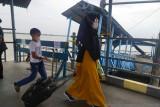 Pelabuhan domestik Meranti ditutup, aktivitas turun naik penumpang tetap jalan