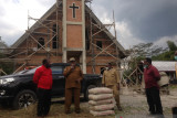 Pemkab Jayawijaya bantu semen pembangunan gedung gereja