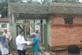 Bupati Pesisir Selatan serahkan bantuan untuk keluarga terdampak bencana di empat kecamatan