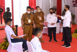 Presiden RI Jokowi tinjau pelaksanaan vaksinasi pelajar di Pesawaran