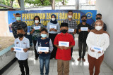 Lantamal VI Makassar salurkan zakat prajurit untuk masyarakat terdampak COVID-19