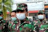 Jenazah Serda TNI Ambrosius korban OTK Maybrat tiba di Bandara Supadio Pontianak