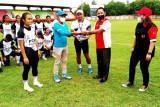 PON Papua-Ketua KONI Palangka Raya berikan bantuan kepada tim Kalteng Putri