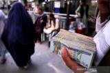 Kelompok Taliban serahkan dolar dan emas sitaan ke bank sentral Afghanistan