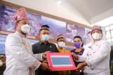 Plt Gubernur Sulsel serahkan Rp400 juta bantu UMKM di Toraja