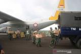 Panglima TNI salurkan bantuan 4.000 paket obat pasien COVID- 19 di Belitung