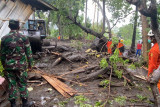 Pemprov NTT bantu logistik untuk korban banjir di Ngada