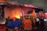 20 unit damkar dikerahkan padamkan kebakaran gudang di Sunter Agung Jakarta Utara