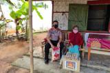 Kompol Eko berikan sembako ke warga kurang mampu di Kota Metro
