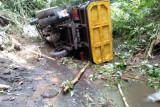 Dum truk terjatuh di jembatan cinta Lotim, sopir tewas