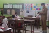 PTM hari pertama SD dan SMP di Temanggung lancar
