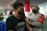 Polda Sulawesi Tenggara vaksinasi COVID-19 masyarakat umum serentak di tiga titik
