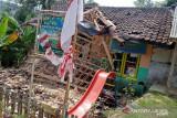 Bangunan posyandu ambruk, 10 wanita terluka
