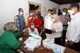 Kelurahan Sinduadi-Polda DIY menyelenggarakan vaksinasi massal
