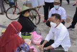 Fairid Naparin serahkan 250 paket bantuan untuk UKM Palangka Raya