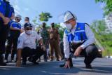 Kabupaten Muba serap 13,8 ton karet  untuk membangun jalan