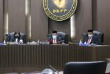 DKPP tegaskan pemecatan seorang komisioner KPU Maros sesuai aturan