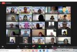 Pakar dari Amerika dan Malaysia presentasi pada seminar internasional TP FIP UNP