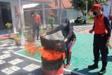 Petugas Lapas Perempuan Semarang dilatih  penanganan kebakaran