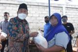 KPP Pratama Mataram Timur bantu warga terdampak pandemi COVID-19