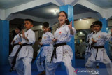 Atlet Imigran Afghanistan Mengajar Bela Diri Karate