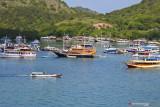 Kapal wisata mengangkut puluhan wisatawan terbakar di perairan Labuan Bajo