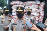 Polda Sulut salurkan bansos Setpres RI untuk warga terdampak COVID-19
