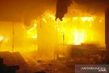 Pasar Bawah Bukittinggi terbakar