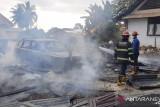 Kebakarakan kampus PLB UNP hanguskan dua mobil
