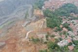 BNPB kerahkan mobil satelit dan pemetaan cepat untuk tangani longsor di Bogor