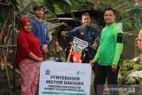 Permudah berdakwah, DD Singgalang serahkan ini pada dai yang bertugas di pedalaman Mentawai