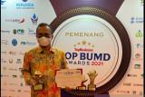 PAM Tirta Sago Payakumbuh berhasil menjawab tugas berat dari Wali Kota dengan raih TOP BUMD Award 2021