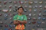 Atlet Panjat Tebing Jatim  Rahmad Adi Mulyono berpose saat mengikuti latihan di Surabaya, Jawa Timur, Senin (13/9/2021). Panjat Tebing merupakan salah satu cabang olahraga  unggulan Jatim dan Adi menjadi salah satu atlet Panjat Tebing unggulan yang diharapkan mampu meraih medali emas pada PON Papua. Antara Jatim/Zabur Karuru/zk
