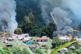 KKB pimpinan Lamek Tablo bakar fasilitas umum di Kiwirok Papua