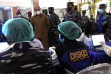 Kasal tinjau pelaksanaan vaksinasi untuk masyarakat maritim di Kupang