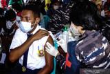 Minggu, sebanyak 1,41 juta vaksin COVID-19 di Indonesia telah disuntikkan