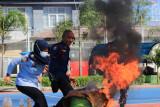 Pegawai dan warga binaan Rutan Makassar dibekali pelatihan antisipasi kebakaran