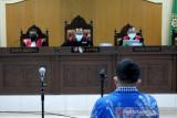 Hakim menolak eksepsi dua terdakwa korupsi benih jagung
