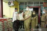Pemkab Pangkep salurkan bantuan untuk warga terpapar COVID-19