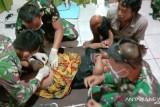 Satgas TNI bantu sunatan gratis untuk anak di perbatasan RI-PNG
