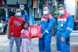Serikat Pekerja Pertamina Cilacap bagikan 300 paket sembako