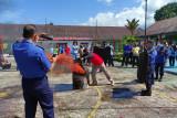 Ini dilakukan petugas dan penghuni Rutan Lubuk Sikaping, untuk mengantisipasi kebakaran