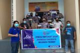 Aice bagikan masker di Polres dan RS Dr Yasin Bone
