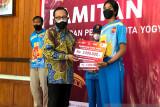 Yogyakarta memberikan tambahan uang saku untuk atlet dan pelatih