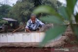 Pak Madi, petugas makam lansia apresiasi Dompet Dhuafa-Hemaviton Stamina Plus
