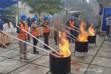 Loka Monitor SFR Kota Kendari musnahkan perangkat telekomunikasi ilegal